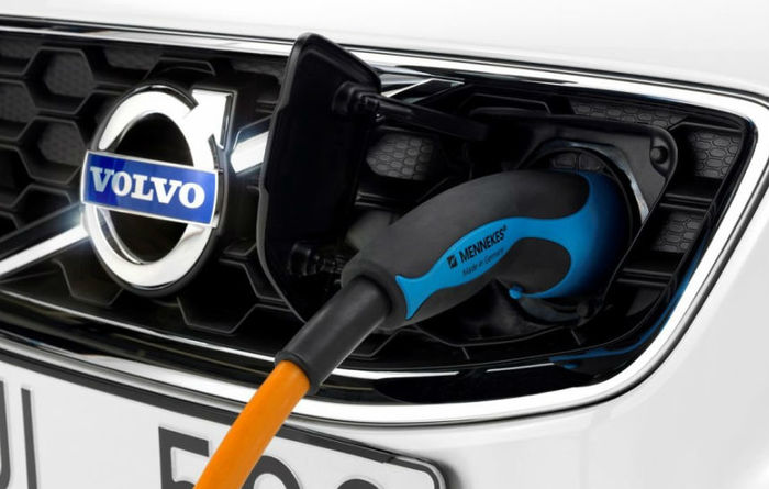Volvo goes all-electric